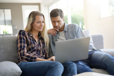Couple attends ASRM Fertility Webinar | Tennessee Reproductive Medicine | Chattanooga